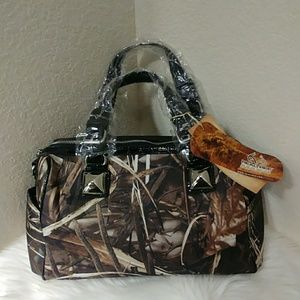 Black Realtree Max-4 Camo Satchel Handbag